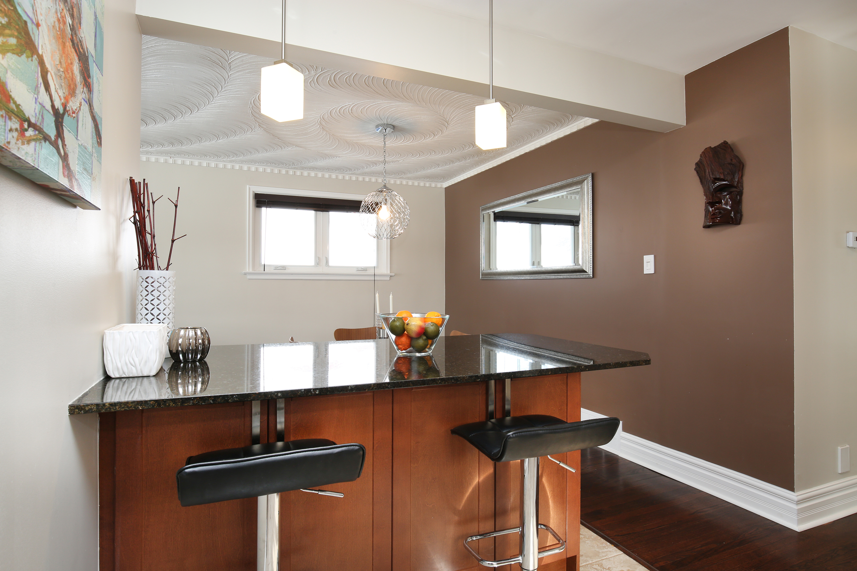 kitchen island to dining2