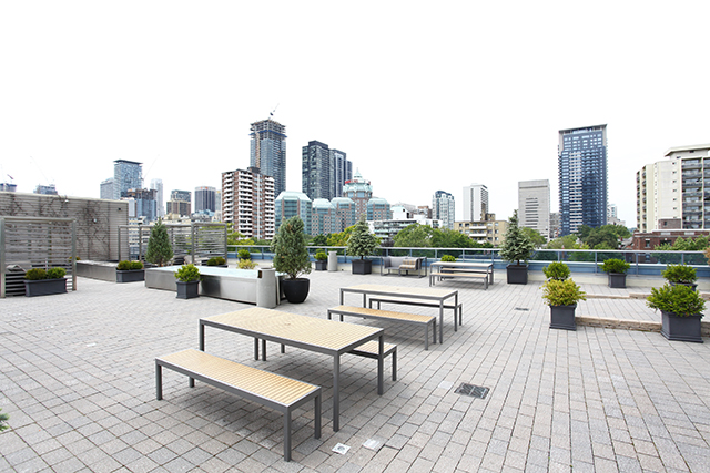 25 rooftop patio2